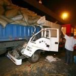 後続トラックに追突されてペシャンコにされた事故のことを思い出した。