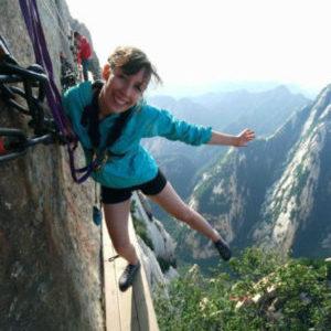 中国一険しい山・華山にハイキング気分で来て、ぼくが「長空棧道」の絶壁にへばりつき思ったこと