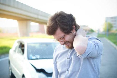 外傷性の非骨傷性頚髄損傷(中心性脊髄損傷)のケースでの事故との因果関係および後遺症